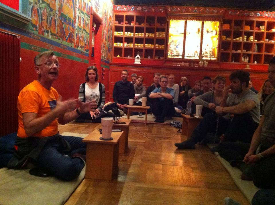 Tomek gives lecture in cph martch 18 2014